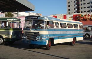 Ônibus antigos despertam paixão coletiva em evento em Itaúna