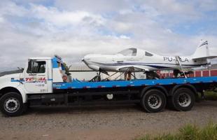 Concluída, aeronave foi transportada de caminhão de Itaúna ao aeroporto de Pará de Minas