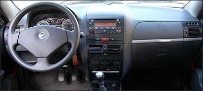 2007 Nissan Frontier >> Equipamentos, preço e ficha técnica do Siena Tetrafuel - Vrum