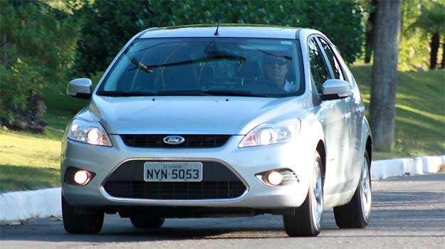 Ford Focus 2.0 flex Titanium - Formato de luxo