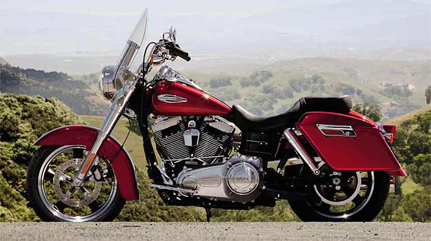Harley-Davidson Dyna FLD Switchback - Camaleão na fila