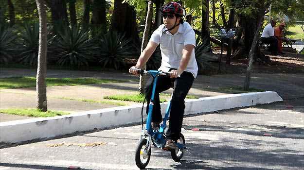 Para ajudar nas pedaladas, motor elétrico move a roda dianteira - Marlos Ney Vidal/EM/D.A PRESS