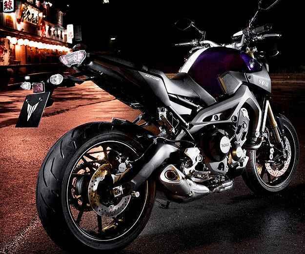 O motor da MT-09 tem três cilindros em linha de 115 cavalos de potência - Yamaha/Divulgação