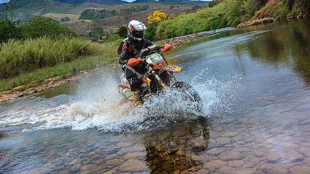 Enduro da Independência atravessa 821 km entre Vitória e Ouro Preto