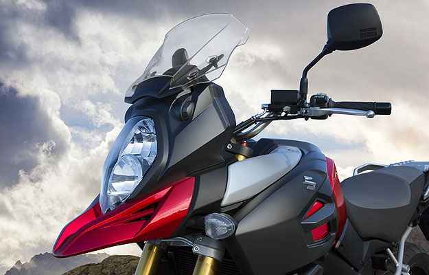 O para-brisa pode ser regulado manualmente na inclinação e na altura - Suzuki/Divulgação