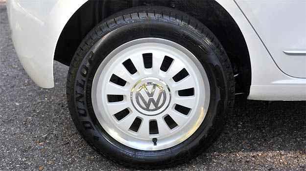 Rodas de liga leve na cor da carroceria é uma das novidades - Leandro Couri/EM/D.A PRESS