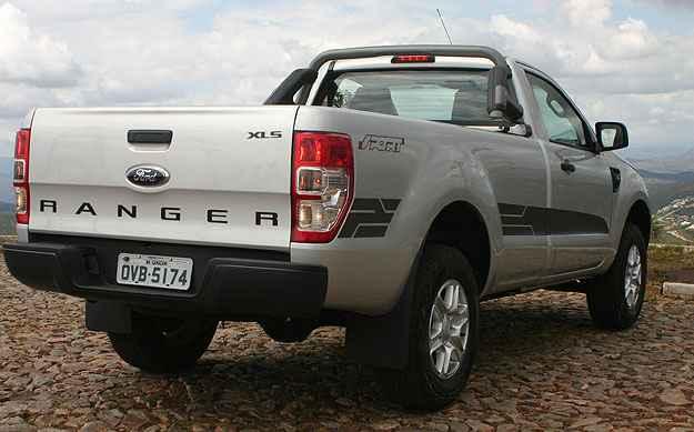 A lateral é decorada com adesivos e o nome Ranger é estampado em letras garrafais na tampa traseira - Paulo Henrique Vivas/Esp.EM/D.A Press