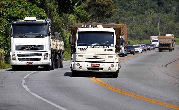 Contran adia para 2016 exigência de exame toxicológico para motoristas de ônibus e caminhões