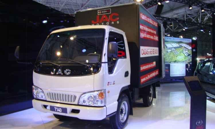 Caminhão leve T-140 é um dos produtos descartados no Brasil - Paula Carolina/EM/D.A Press