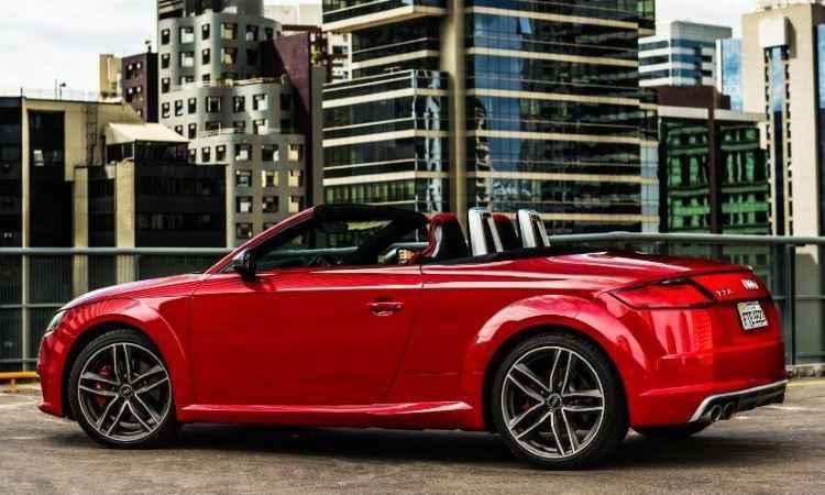 Design exibe rodas de 19 polegadas e retrovisores com acabamento em alumínio - Audi/Divulgação