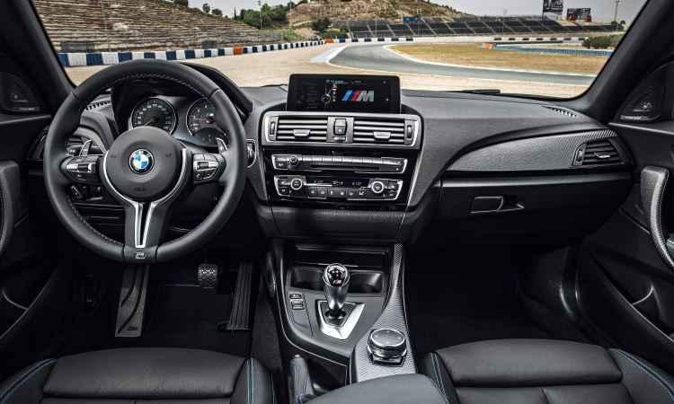 Interior sofisticado e muita tecnologia - Uwe Fischer/BMW/Divulgação