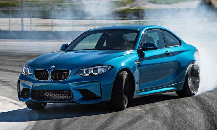 BMW M2 Coupé proporciona prazer incontrolável ao dirigir por R$ 379.950