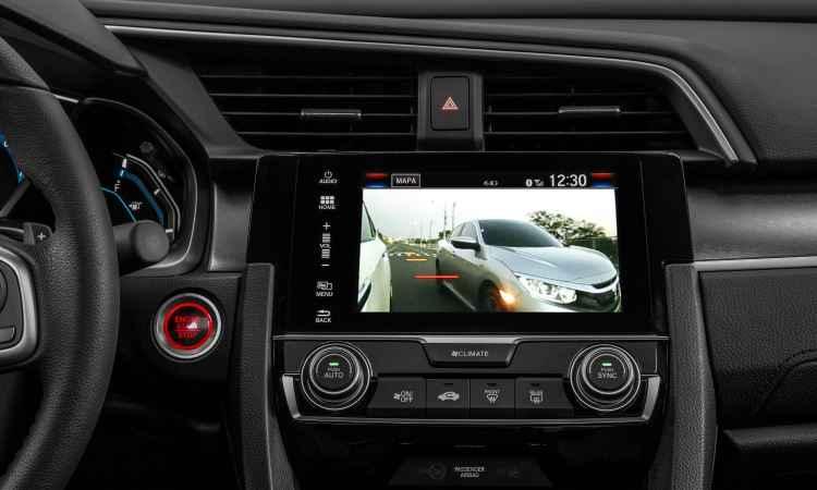 Tela de sete polegadas com navegador e informações sobre tráfego é exclusiva da Touring - Honda/Divulgação