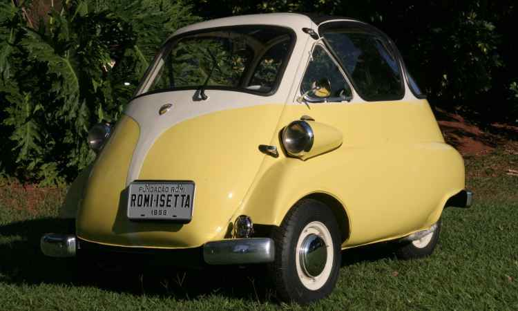 Exposição em shopping de BH homenageia 60 anos da indústria automobilística brasileira