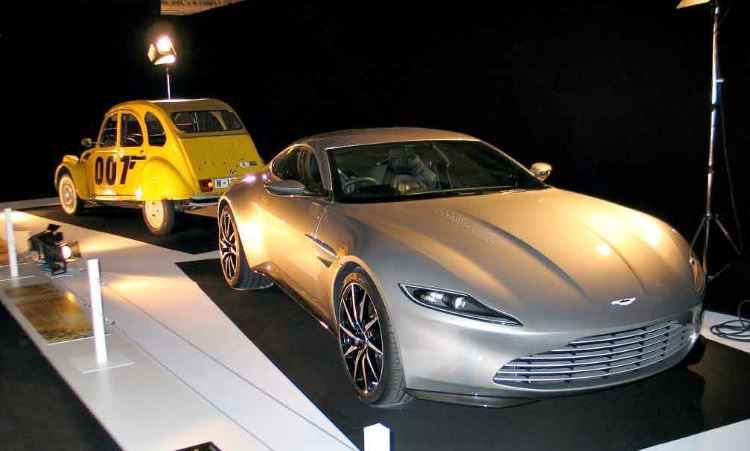 Do 007, o Aston Martin DB10 e um Citroën 2CV - Enio Greco/EM/D.A Press