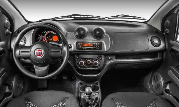 Painel do Fiorino também ainda é o do Uno lançado em 2010 - Fiat/Divulgação