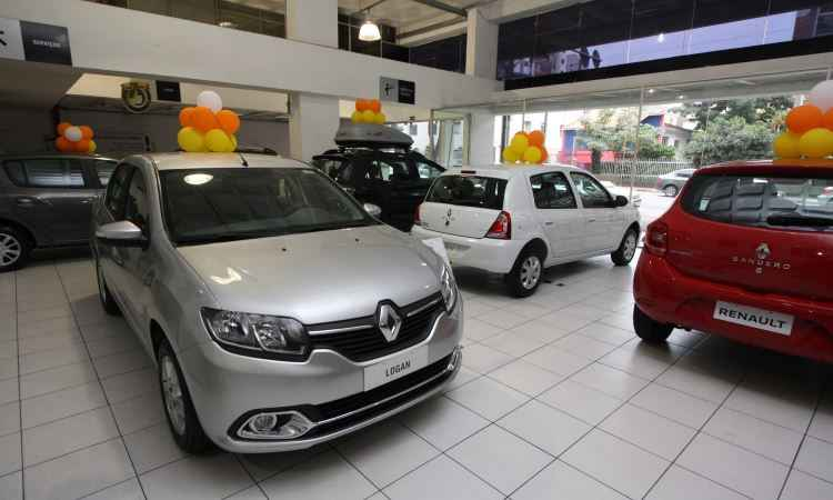 Mercado de veículos novos terá crescimento de dois dígitos em 2017, prevê Anfavea