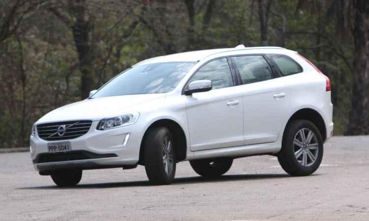 Teste: Volvo XC60 D5 Kinetic com novo motor 2.4 diesel é robusto e eficiente