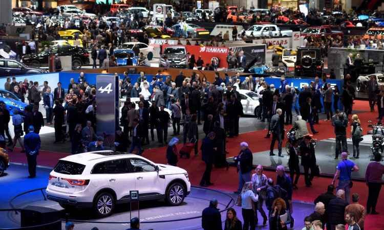 Nos sete pavilhões, os visitantes podem conferir as principais novidades da indústria automotiva - Fabrice Coffrini/AFP