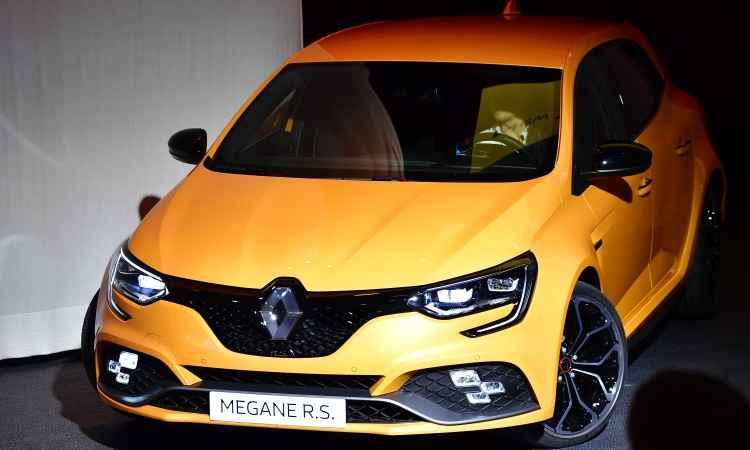 A Renault destaca o novo Mégane RS com motor 1.8 turbo de 280cv, que não vem para o Brasil - Tobias Schwarz/AFP