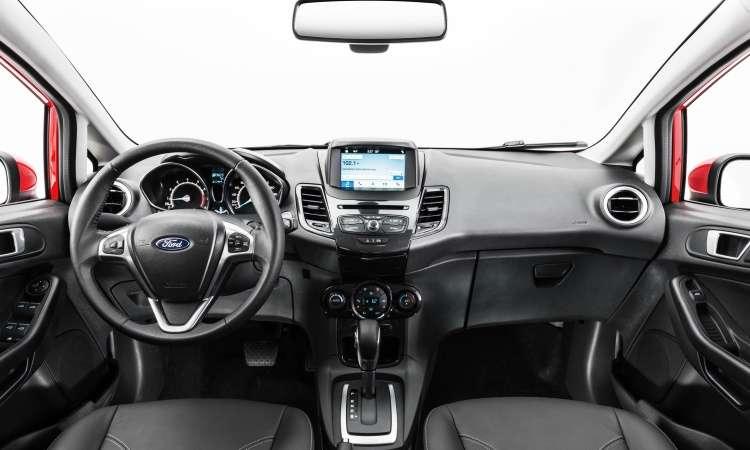 No interior, destaque para a tela do sistema multimídia Sync 3, que foi deslocada para cima - Pedro Bicudo/Ford/Divulgação