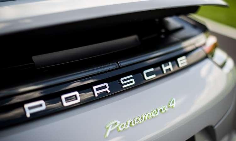 Aerofólio na traseira ajuda a manter o carro agarrado ao chão em velocidades mais altas - Porsche/Divulgação