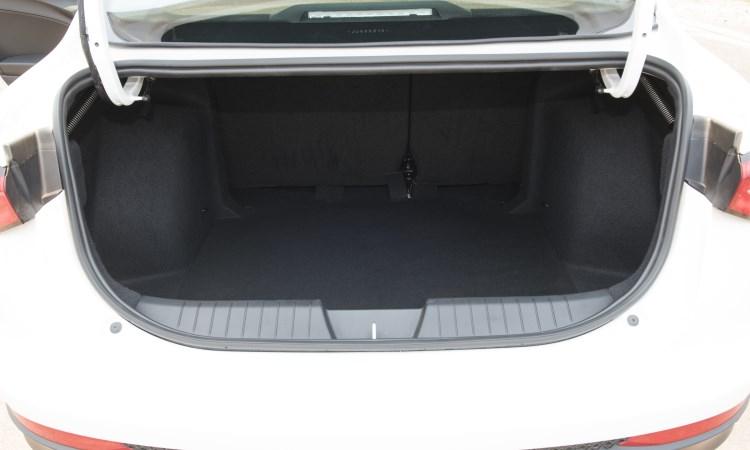 Porta-malas do Cronos tem volume de 525 litros - Fiat/Divulgação