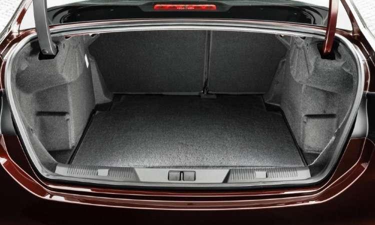 Com 450 litros, porta-malas do Citroën C4 Lounge é menor do que o de sedãs compactos - Citroën/Divulgação