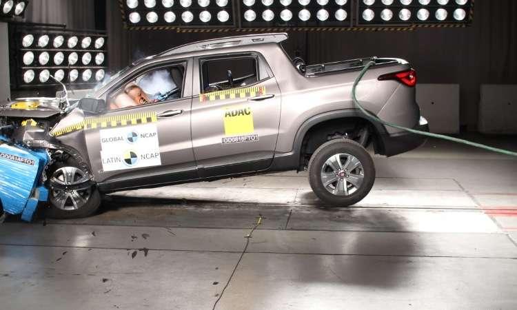 No teste de impacto frontal, a proteção à cabeça e ao pescoço do motorista e passageiro foi considerada boa - Latin NCAP/Divulgação