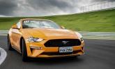 Ford lança no Brasil o muscle car Mustang, que chega modernizado, mas com um toque retrô