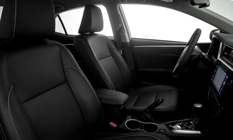 O espaço interno é um dos destaques do sedã médio líder do segmento - Toyota/Divulgação