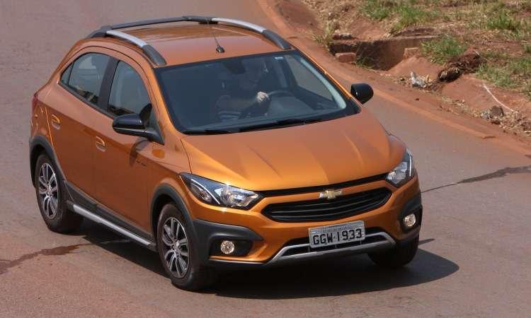 O Chevrolet Onix continua campeão disparado, com quase 42 mil unidades vendidas este ano - Edésio Ferreira/EM/D.A Press