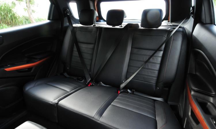 Cintos de segurança de três pontos e apoios de cabeça são para todos os passageiros, além de sistema Isofix para assentos infantis - Gladyston Rodrigues/EM/D.A Press