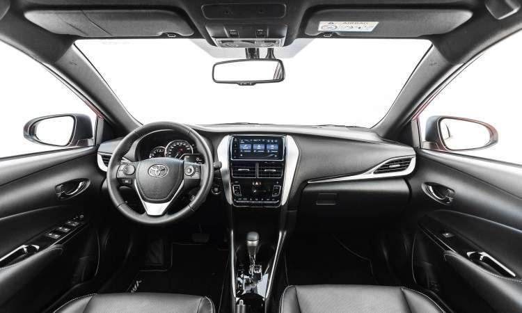 Central multimídia com tela de 7 polegadas equipa o modelo a partir da versão XL Plus Tech - Toyota/Divulgação