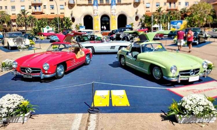 Encontro nacional de carros antigos reúne clássicos e raridades em Araxá