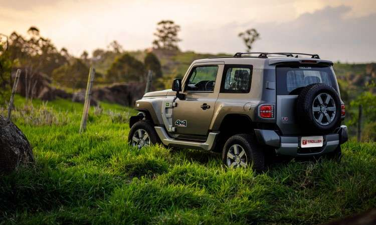 O jipe é equipado com rodas de alumínio de 17 polegadas e pneus de uso misto - Troller/Divulgação