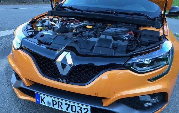 Motor 1.8 TCe faz de 0 a 100 km/h em 5,8 e conta com 280 cavalos - Jorge Moraes/DP
