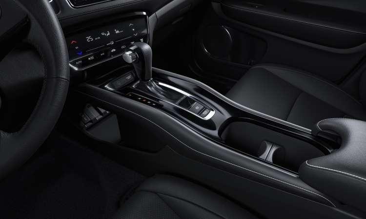 O console flutuante foi mantido, porém, agora tem detalhe em black piano - Honda/Divulgação