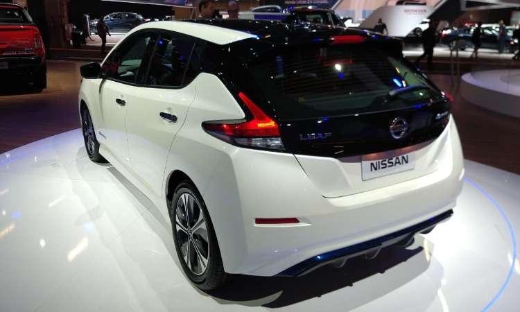 Modelo da Nissan tem autonomia de 240 a 320 quilômetros, dependendo da bateria - Pedro Cerqueira/EM/D.A Press