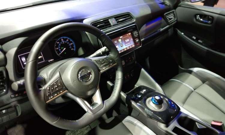 A recarga completa das baterias do Nissan Leaf é feita em oito horas - Pedro Cerqueira/EM/D.A Press