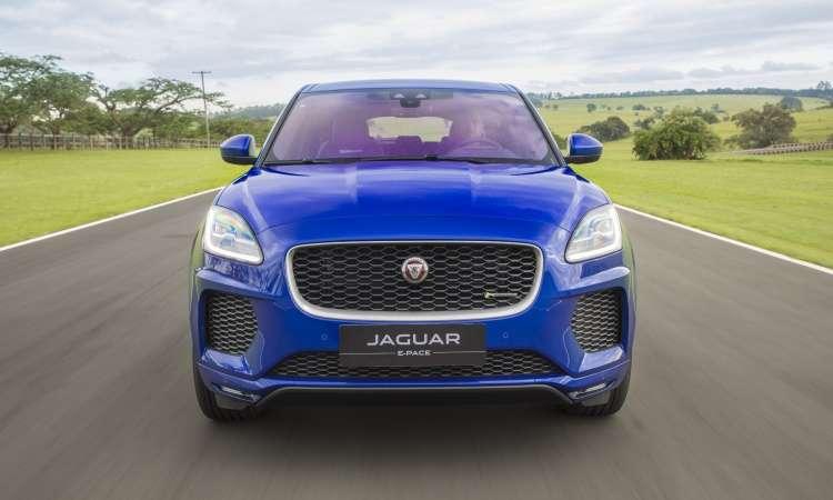 O SUV compacto passa a contar com a nova opção de motorização flex, que desenvolve 249cv e 37,2kgfm - Jaguar/Divulgação