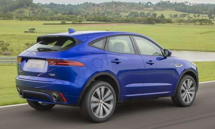 Modelo tem linhas esportivas e conta com câmbio automático de nove velocidades e tração integral - Jaguar/Divulgação