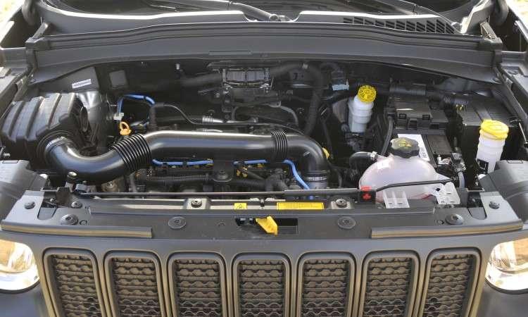 O motor quatro-cilindros 1.8 flex continua proporcionando desempenho limitado - Juarez Rodrigues/EM/D.A Press