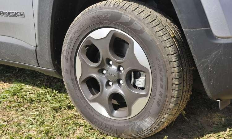 As rodas são de liga leve de 16 polegadas, de série - Juarez Rodrigues/EM/D.A Press