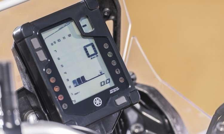 O painel digital tem formato vertical como nas competições - Yamaha/Divulgação