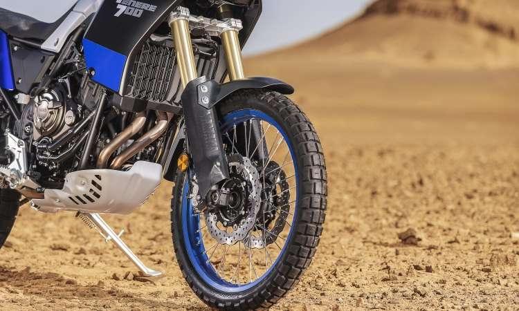 A roda dianteira tem aro de 21 polegadas e freios ABS que pode ser desabilitados - Yamaha/Divulgação