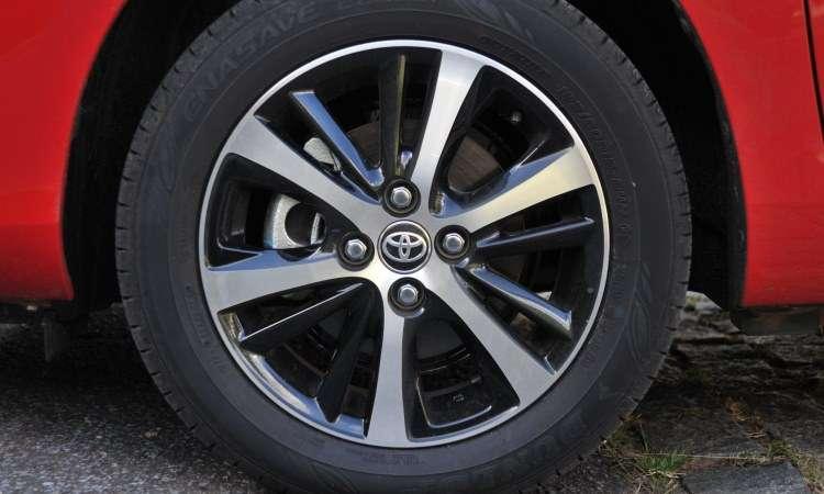 A versão XLS tem rodas de liga leve de 15 polegadas calçadas com pneus 185/60 - Ramon Lisboa/EM/D.A Press