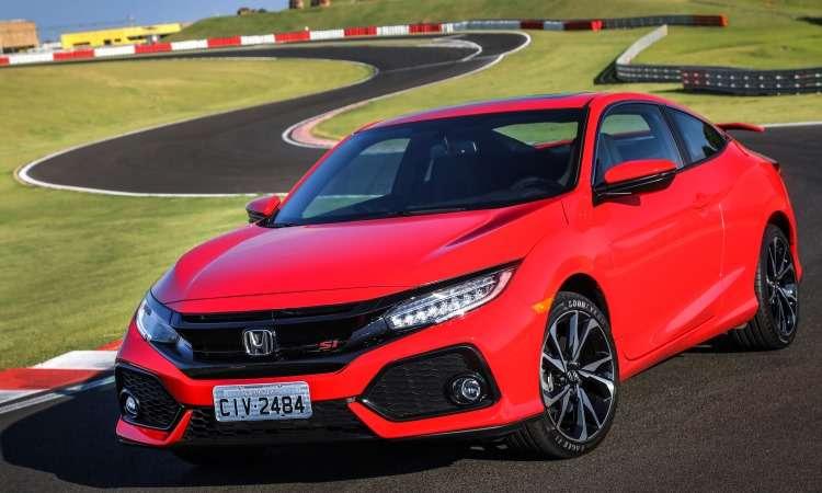 A Honda voltou a trazer o Civic SI, versão esportiva do sedã - Honda/Divulgação