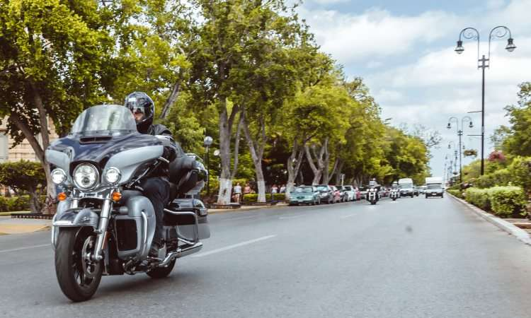 A temperatura das manoplas pode ser regulada na Ultra Limited - Harley-Davidson/Divulgação