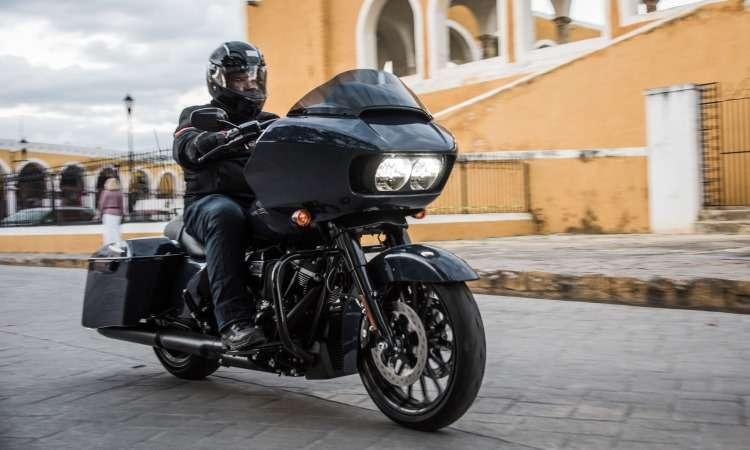 O modelo Road Glide Special tem carenagem nariz de tubarão e faróis em LED - Harley-Davidson/Divulgação